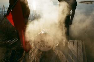 Sajabb-Drum and smoke-lo-res-Photo Mads Teglers